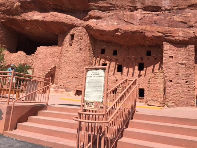 Manitou Cave Dwellings Of The Anasazi
